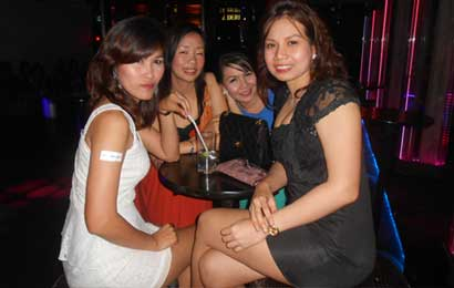 women in bangkok