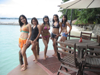 Meet the beautiful exotic women of the Philippines